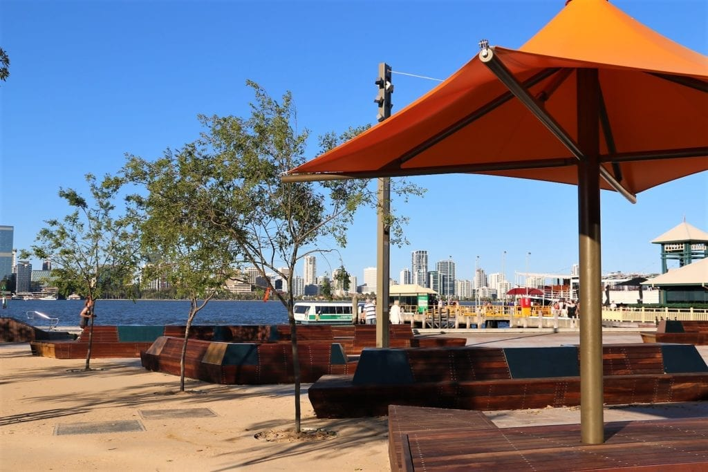 Mends Street jetty piazza