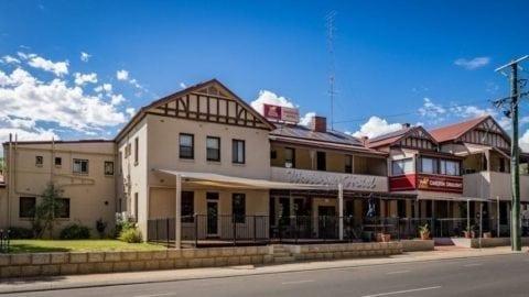 Waroona Hotel